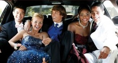 How to rent a limousine for the prom